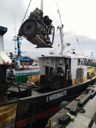 demantelemnt-moteur-marin